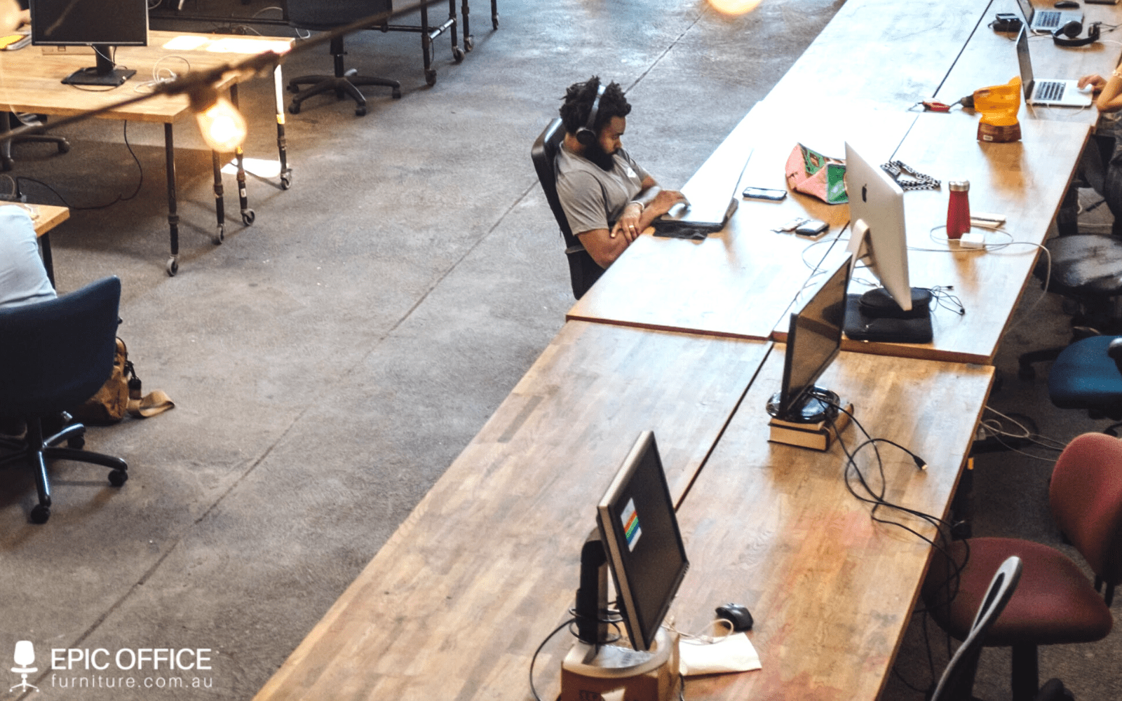 How the Modern Workplace Functions with Large Office Workstations