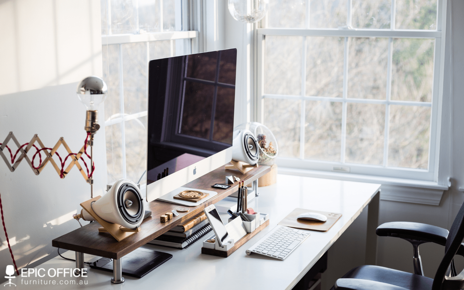 How to Spruce up Your Office with Office Accessories